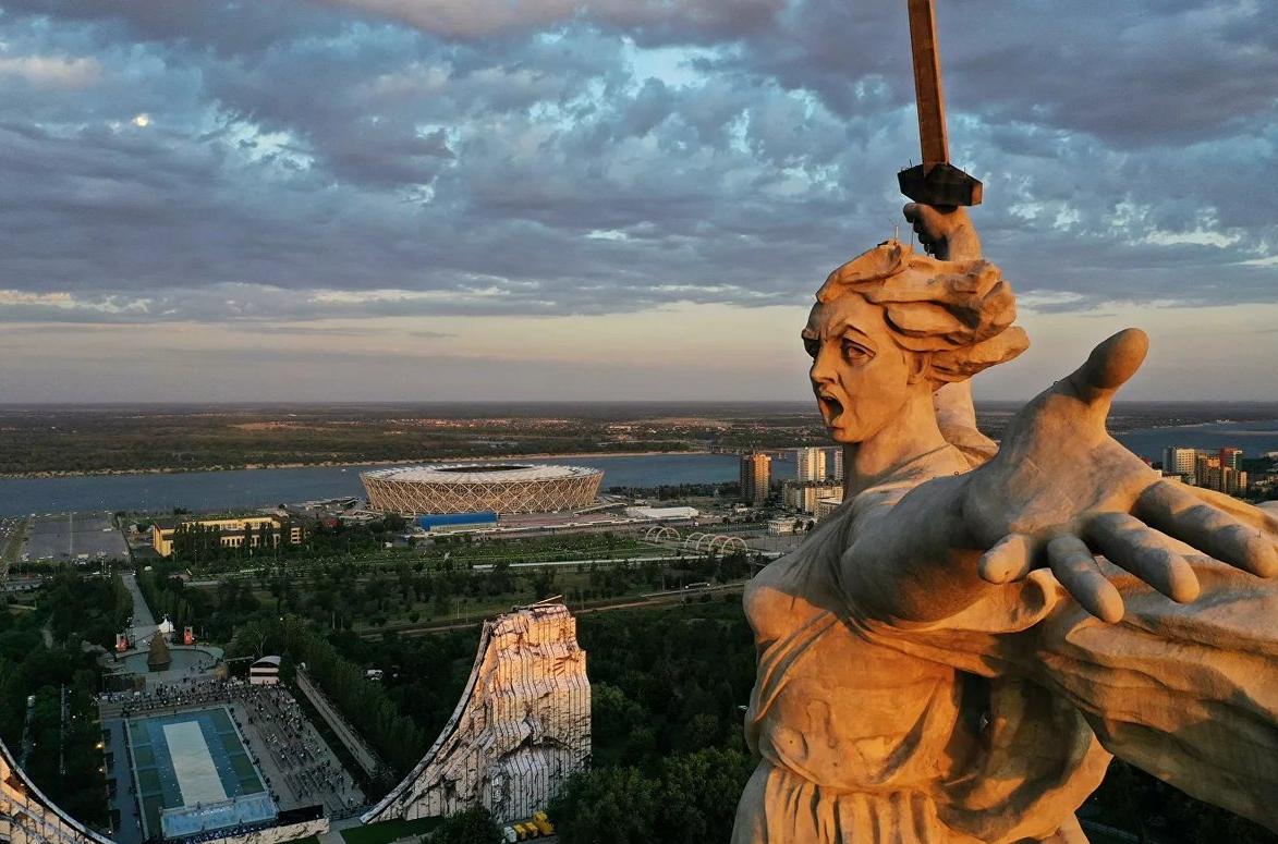 Ветеран обратился в генпрокуратуру из-за высказываний Лебедева о скульптуре «Родина-мать зовёт!»