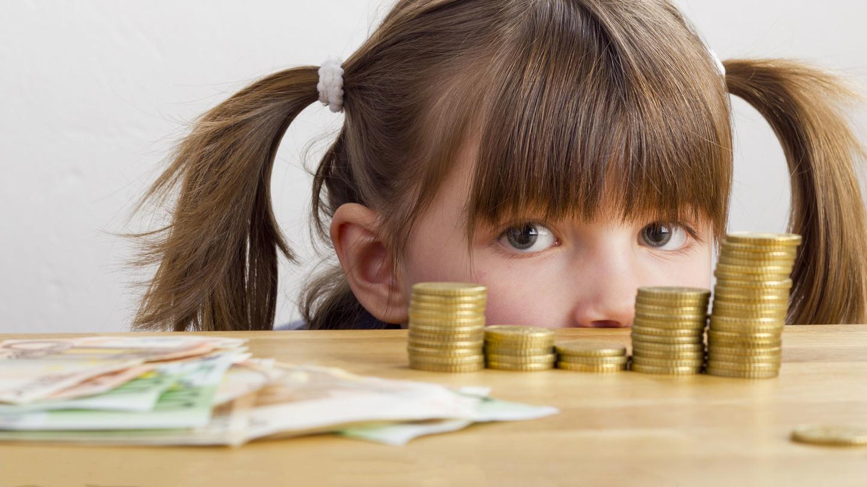 Правительство направило на детские выплаты дополнительно более 34,3 млрд руб.