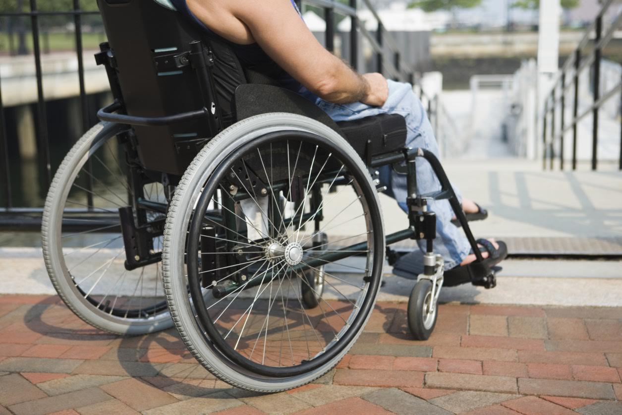Думский комитет поддержал законопроект об упрощении выдачи инвалидам средств реабилитации