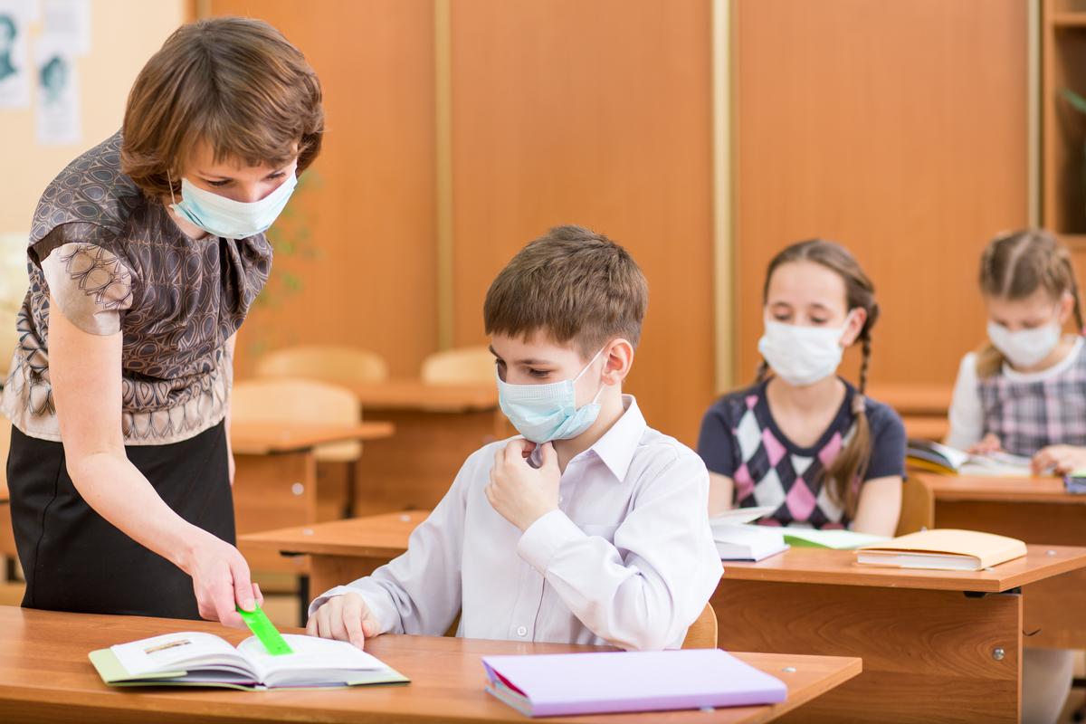 В Минпросвещения оценили эпидобстановку в школах как спокойную