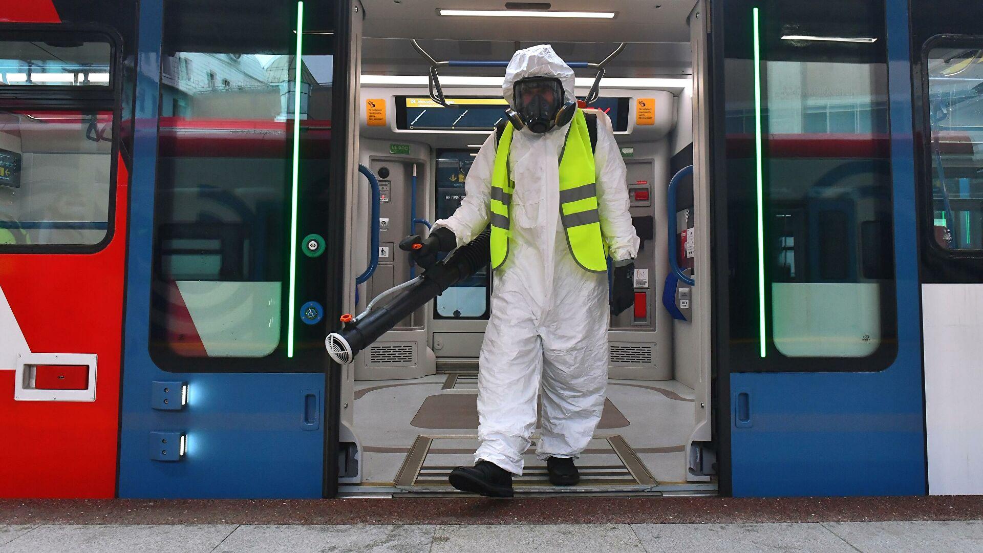 Специалисты обнаружили коронавирус на поверхностях в общественных местах