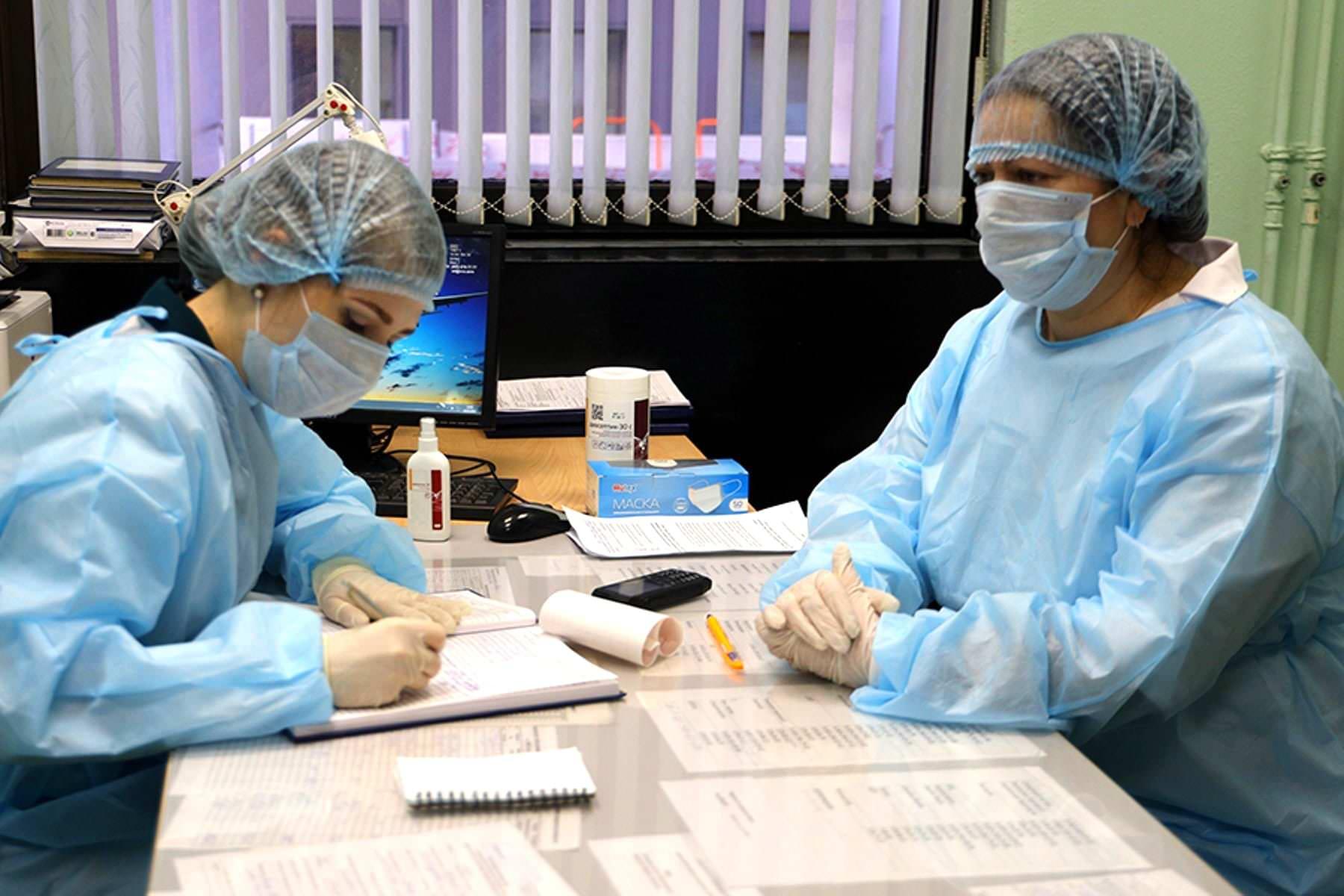 Кабмин выделил на выплаты медикам дополнительно 6,5 млрд руб.