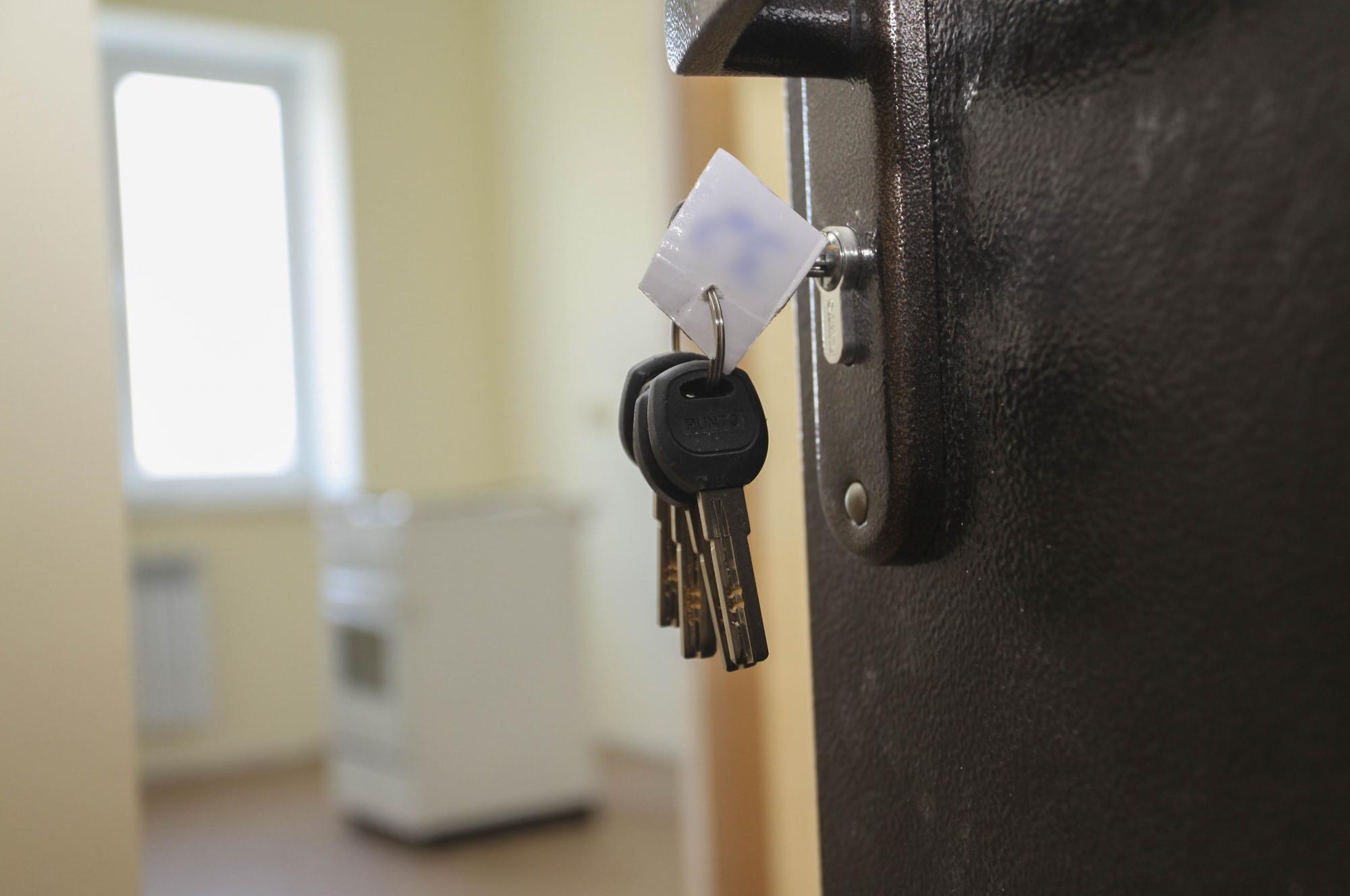 Правительство снимет с органов опеки обязанность обеспечивать жильем сирот
