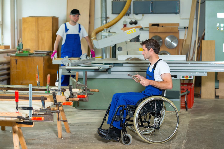 Количество трудоустроенных инвалидов увеличат почти вдвое