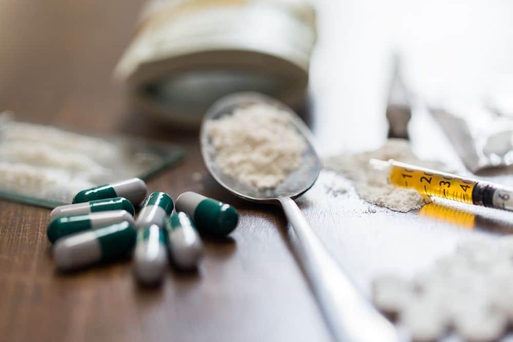 Путин призвал подключить благотворительные и общественные организации к борьбе с наркоманией