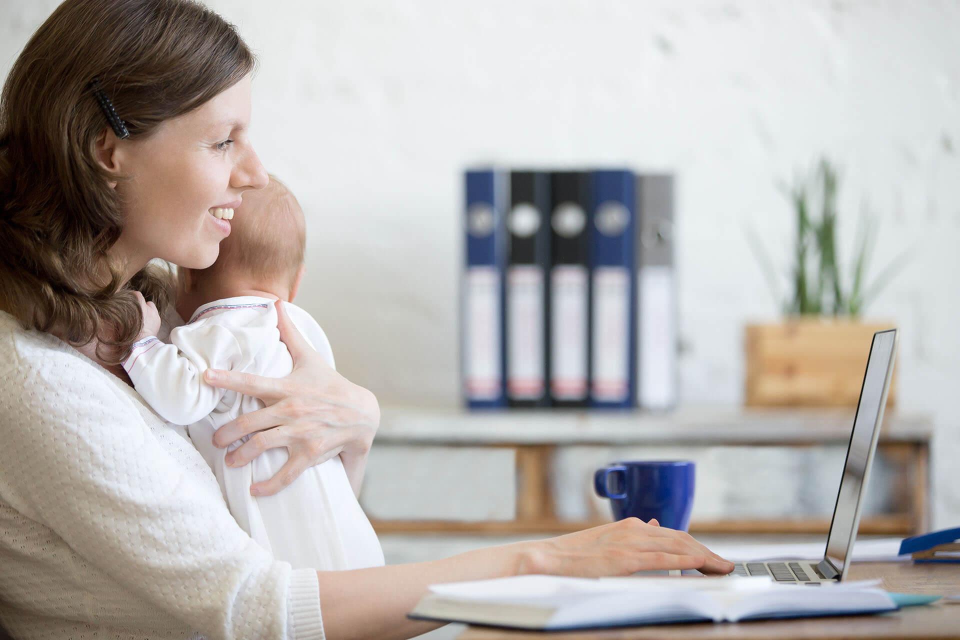 В России вступает в силу закон о начислении выплат на детей без справок