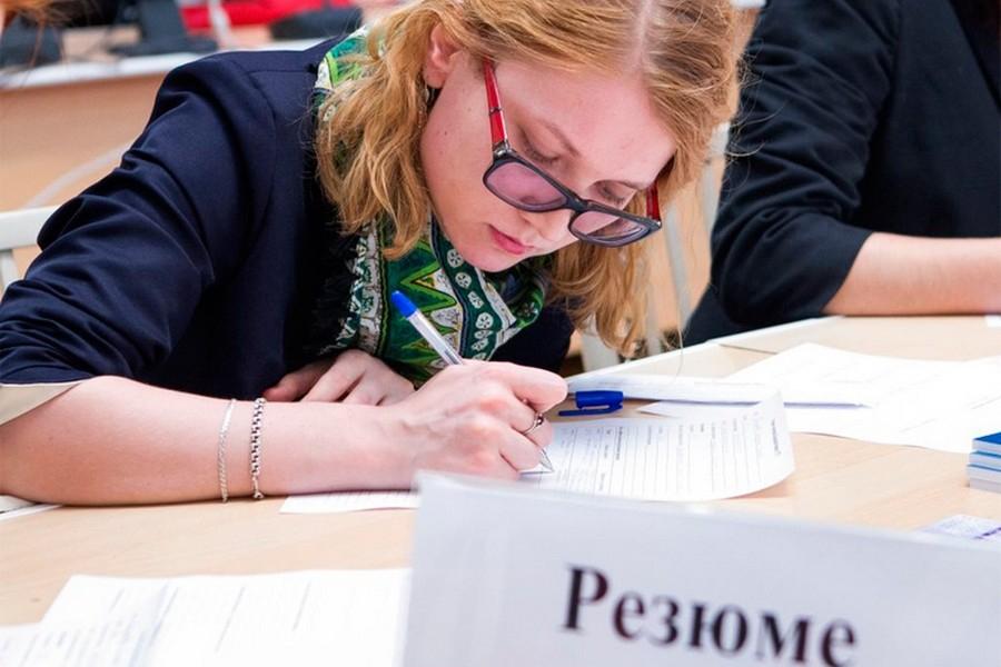 В Минобрнауки рассказали об отсутствии проблем с трудоустройством выпускников вузов