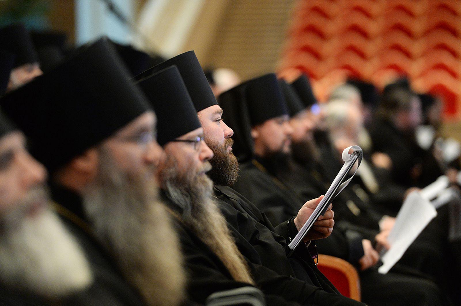 В РПЦ создали специальную комиссию по правонарушениям священников