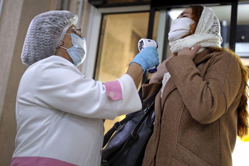 Математики спрогнозировали сроки пика заболеваемости COVID-19 в России