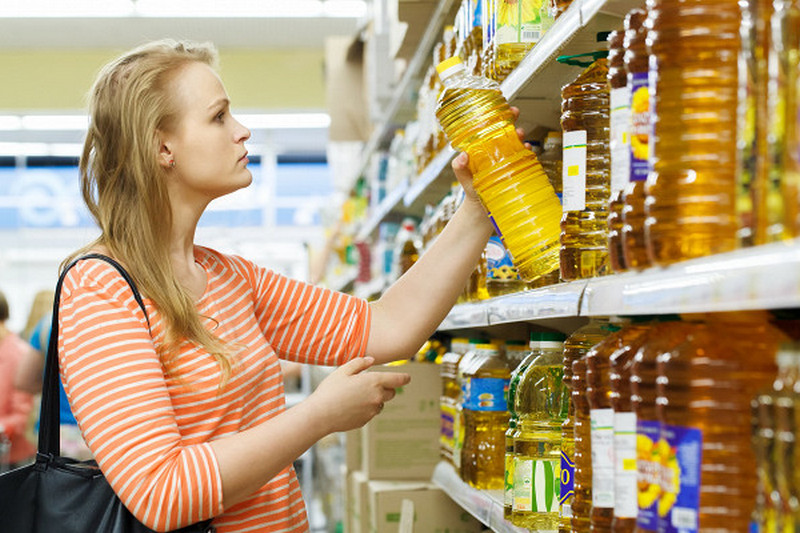 Власти ввели максимальные розничные цены на сахар и подсолнечное масло
