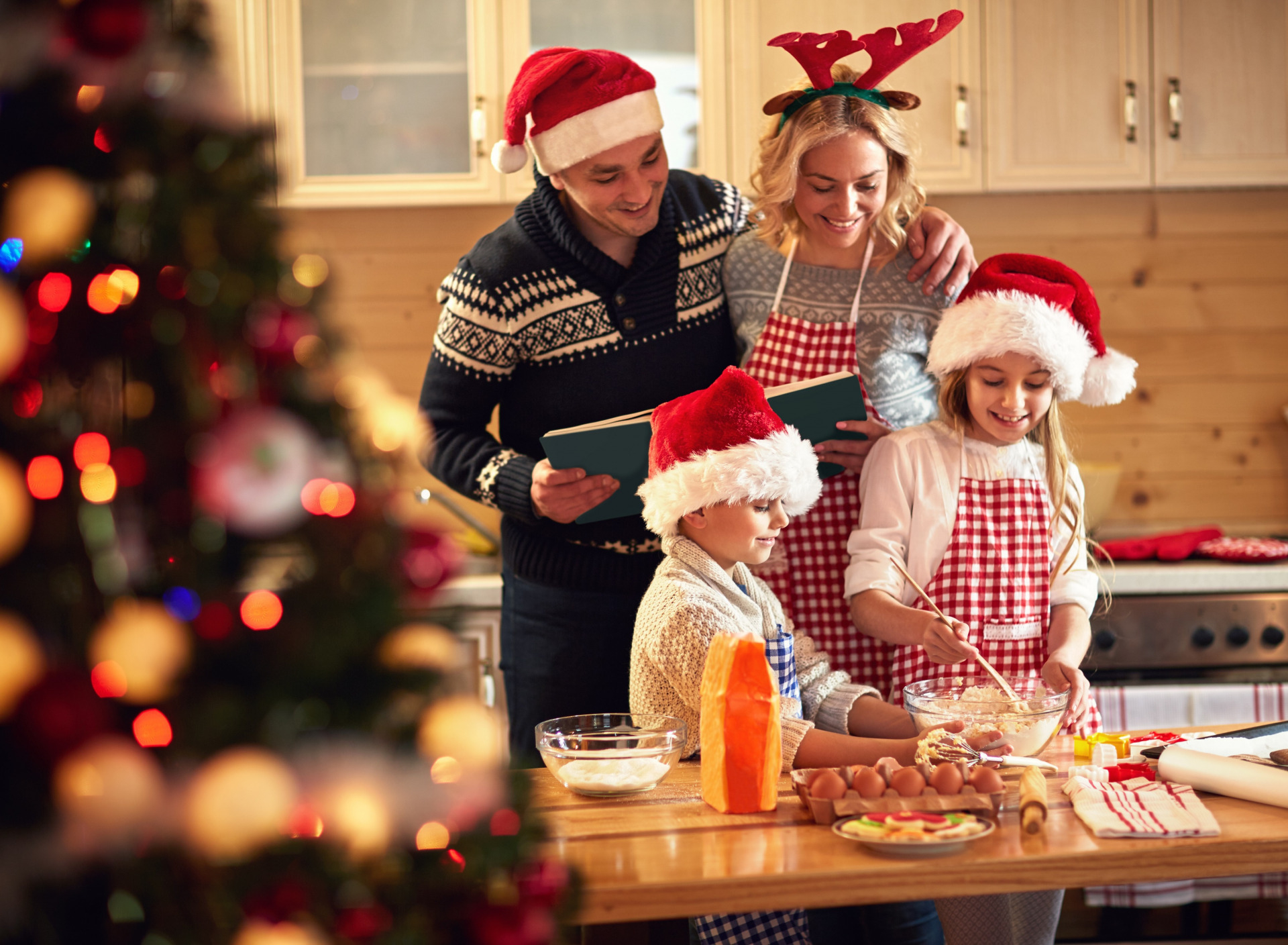 Аналитики узнали, где россияне планируют встретить Новый год