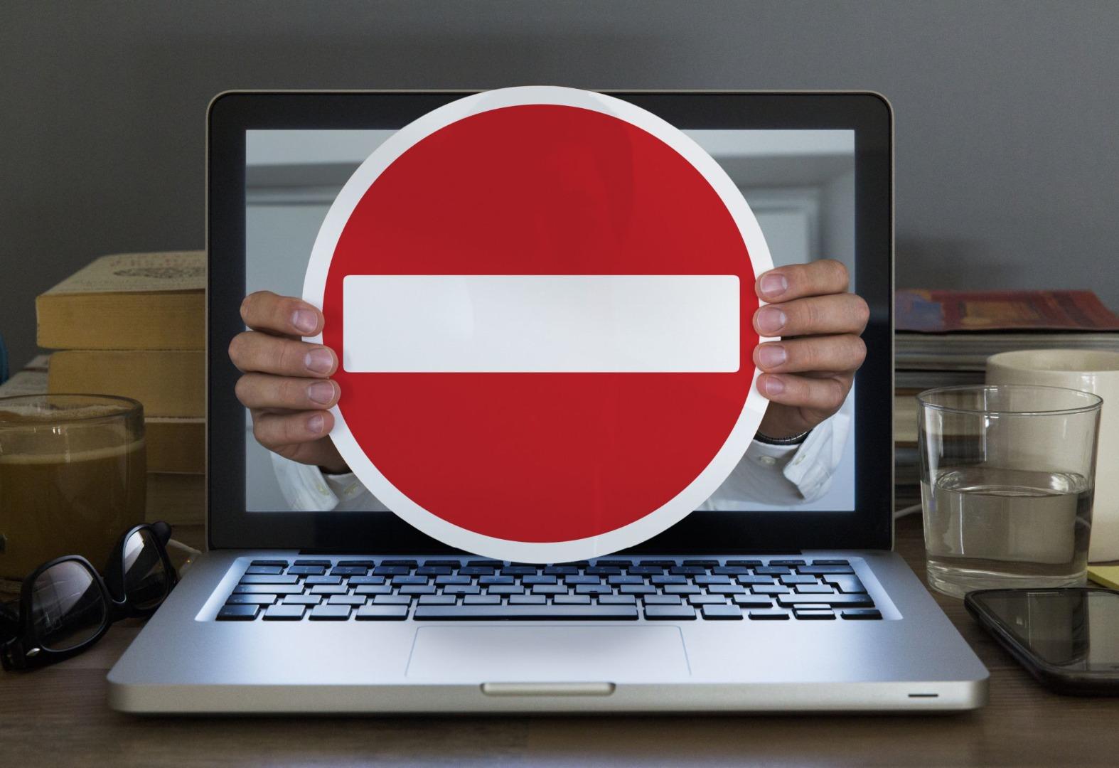 В Госдуме предложили обязать соцсети блокировать незаконный контент