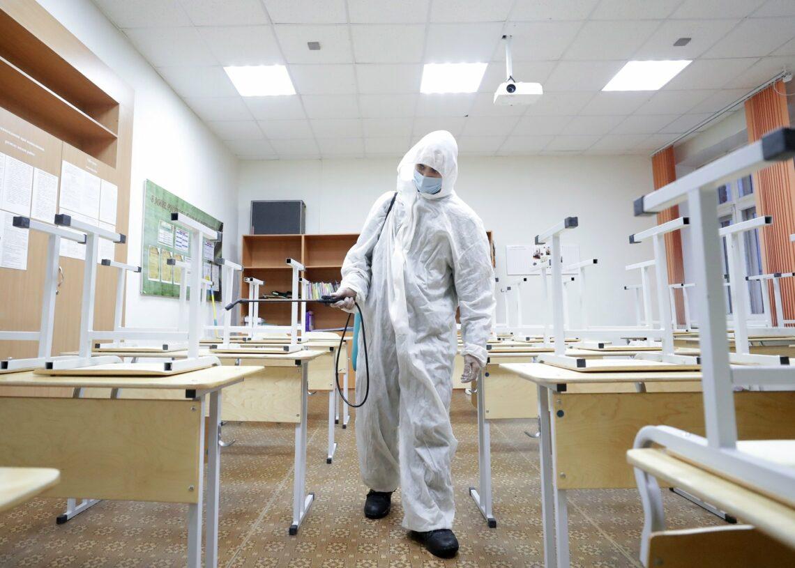 Роспотребнадзор продлил действие санитарных норм для школ и детсадов до 2022 года