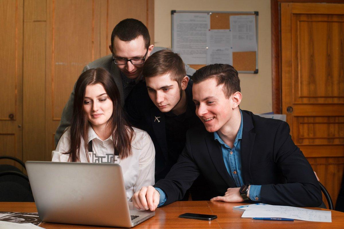 Путин предложил обобщить опыт вузов по совмещению разных форматов обучения