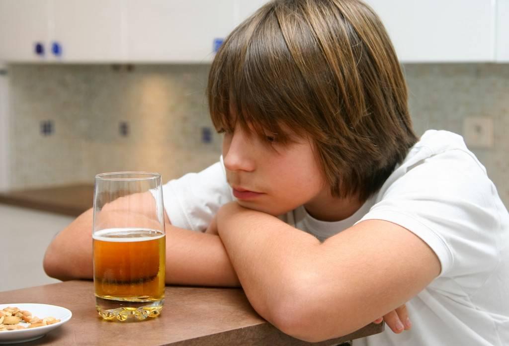 Яровая предложила ввести проверки детей на наркоманию и алкоголизм