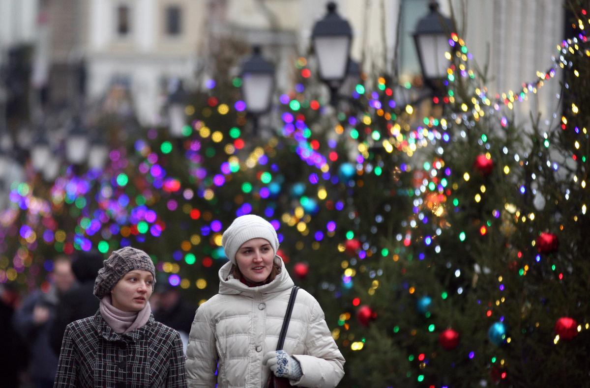 В Кремле прокомментировали идею сокращения новогодних каникул из-за выходного 31 декабря