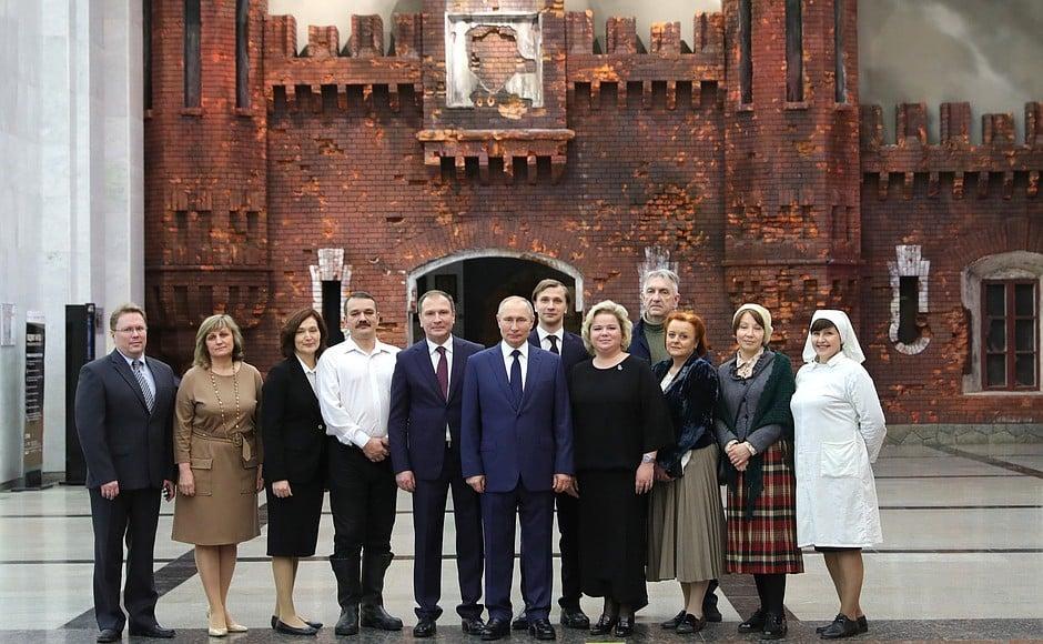 Онлайн-проекту «Подвиг народа: непокорённый Ленинград» дал старт президент России