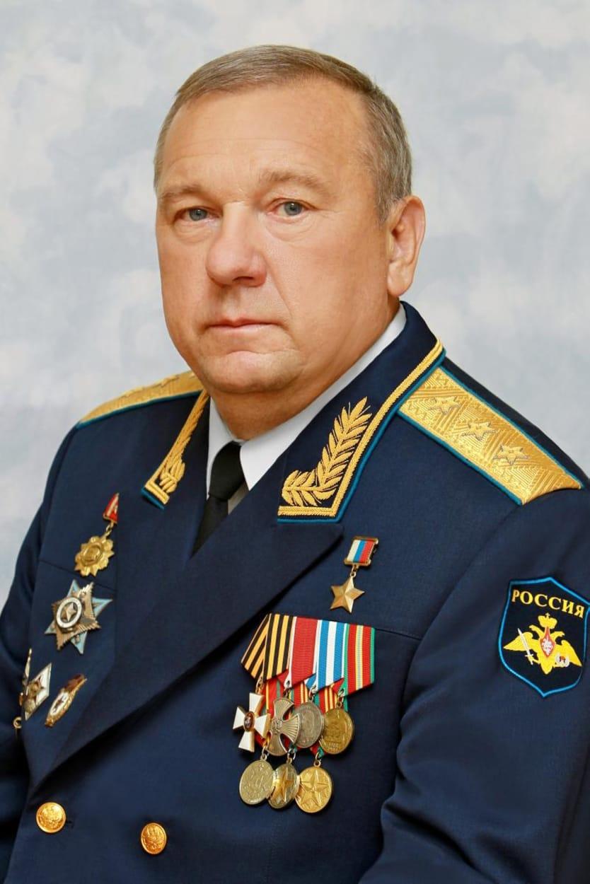 Председатель Комитета Госдумы по обороне, Герой России Владимир Шаманов выразил соболезнования родным и близким Василия Ланового