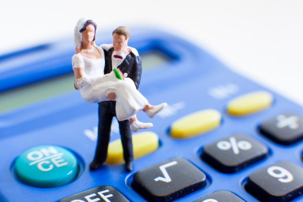 Москвичи оценили расходы на планируемую свадьбу в 196 тысяч рублей