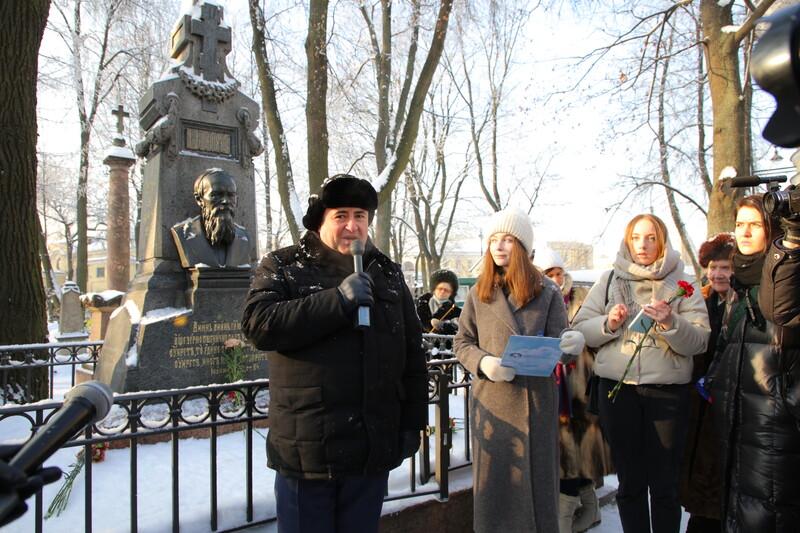 В день 140-летия со дня смерти Федора Достоевского его память почтили в Некрополе мастеров искусств