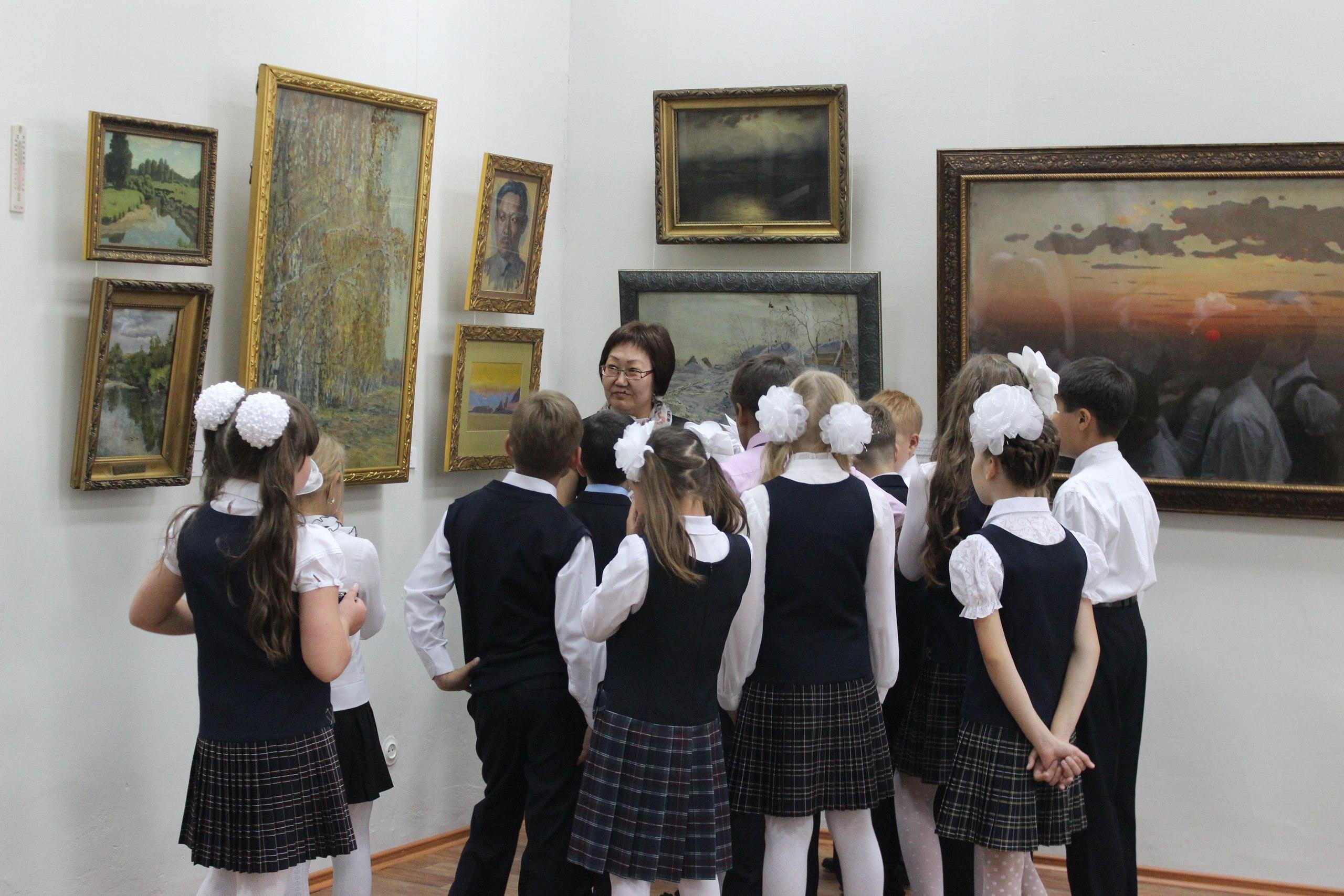 Роспотребнадзор разрешил школьникам посещать музеи небольшими группами