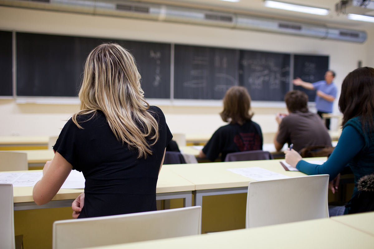 Минпросвещения намерено вдвое сократить количество специальностей в колледжах
