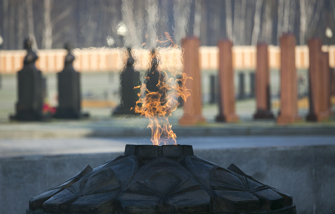 Торжественно-траурная церемония передачи останков воинов прошла на ФВМК