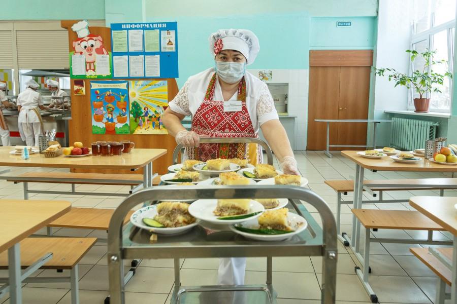 Голикова рассказала о наказании для поставщиков некачественного питания в школы