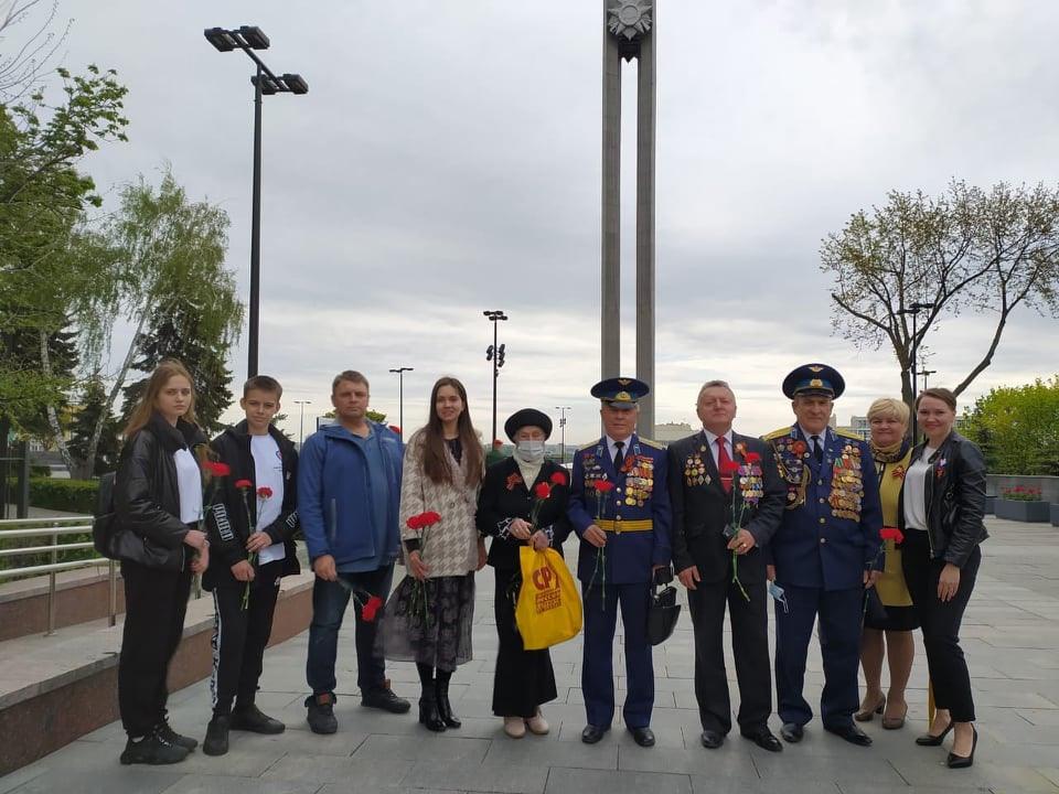Воронежские активисты почтили память погибших защитников Отечества
