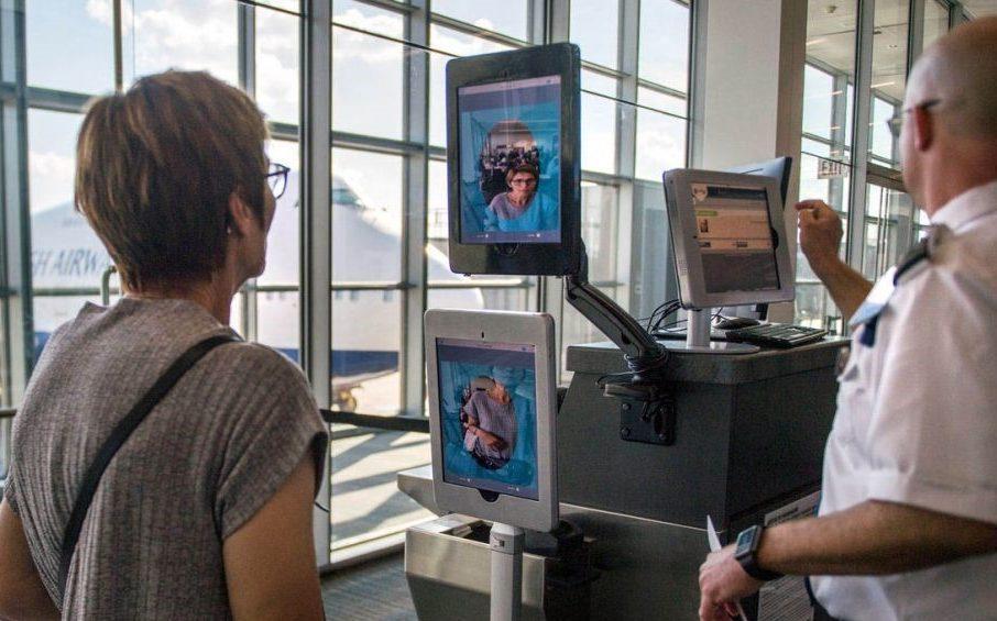 Минтранс намерен к 2024 году ввести биометрию в транспорте