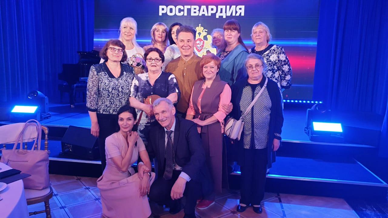 Семьи погибших военных и сотрудников Росгвардии встретились с Виктором Золотовым в Кремлевском дворце