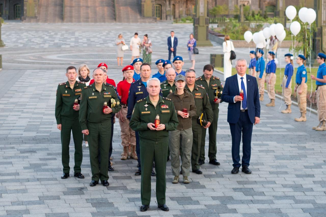 В Главном храме Вооруженных сил РФ прошла акция к 80-летию начала ВОВ