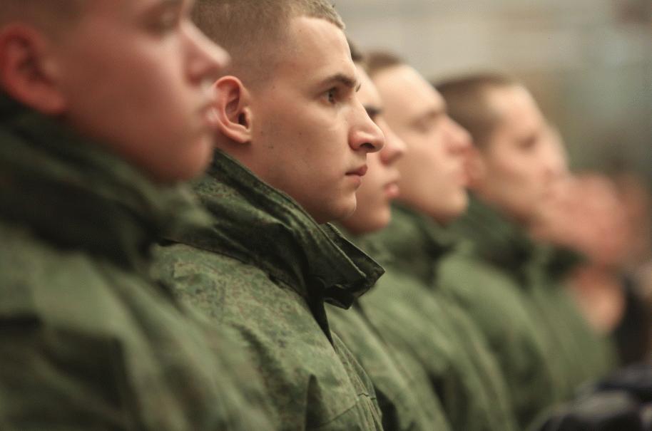 В ПФР объяснили, как учитывается в стаже служба в армии