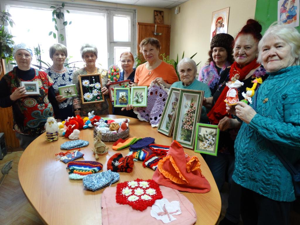 Примерно треть россиян намерены после выхода на пенсию освоить творческую профессию