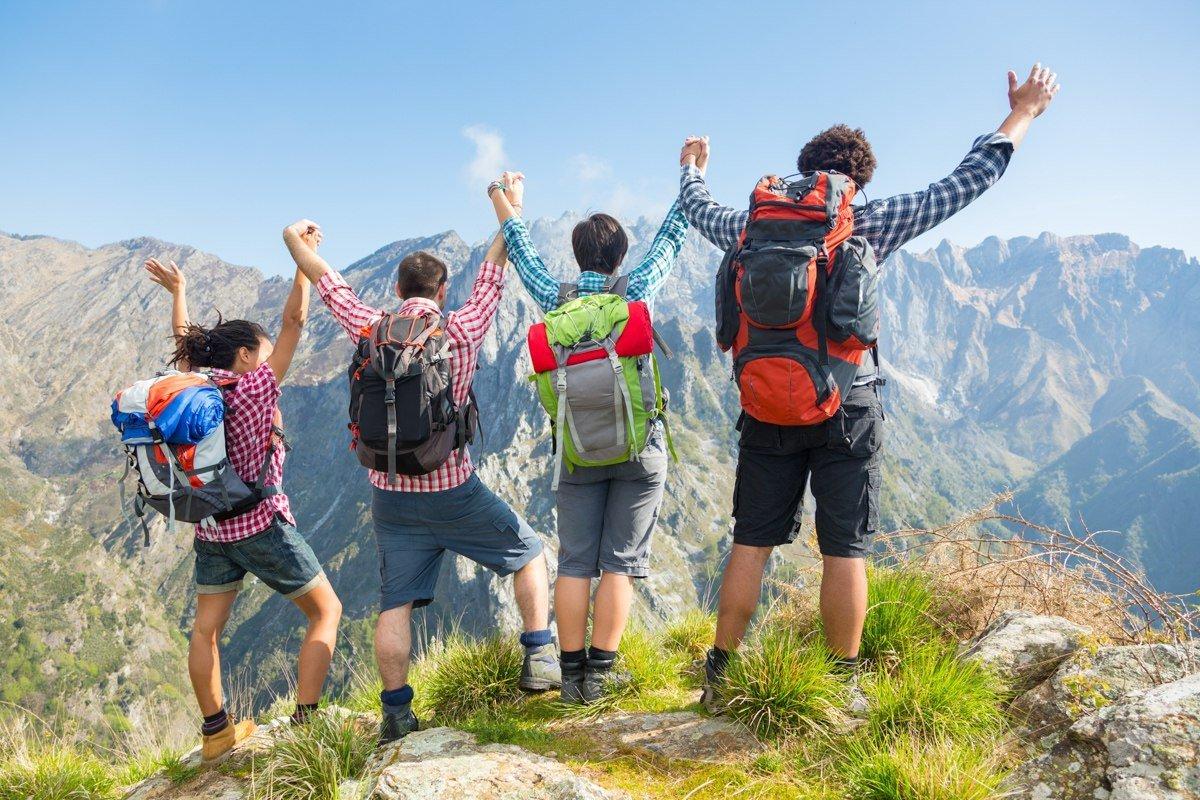 Кабмин направит на развитие молодежного туризма 2 млрд рублей
