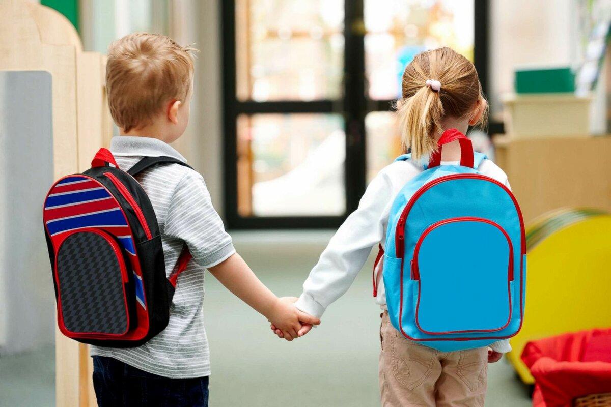 Минтруд назвал дату начала выплат на школьников