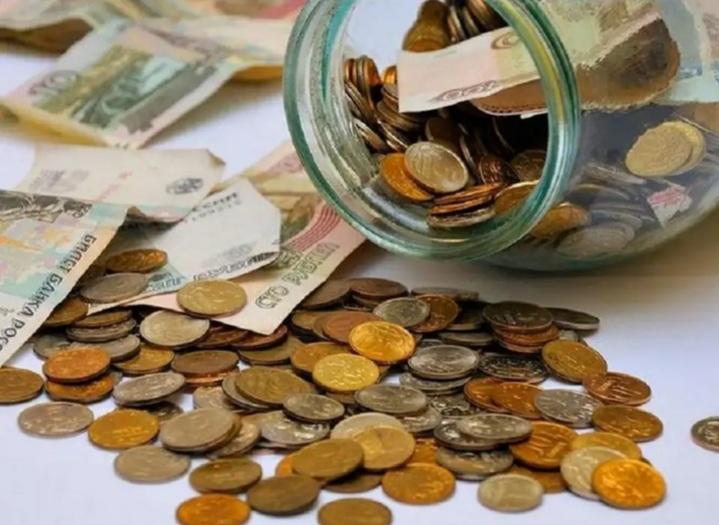 Россиянам порекомендовали хранить деньги на коротких депозитах